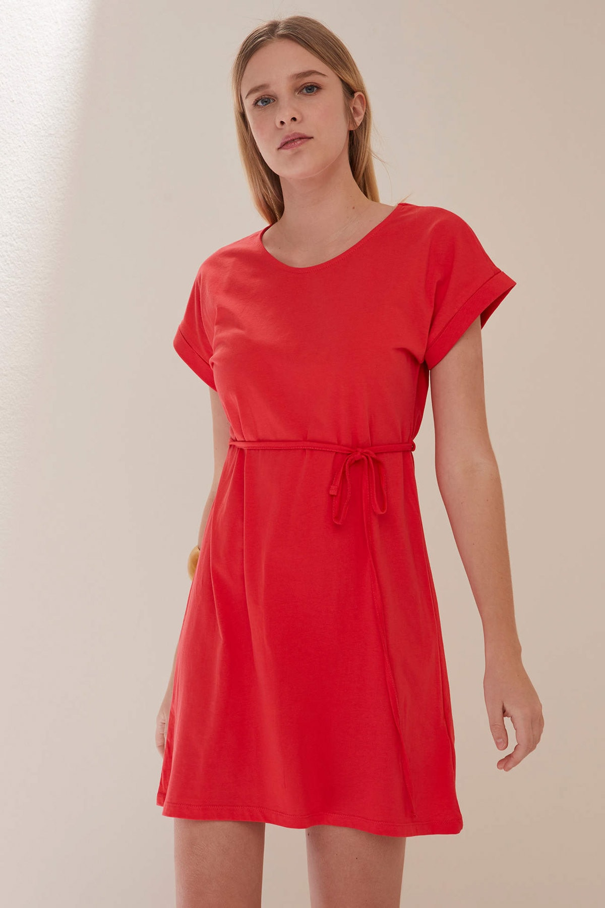 Belden Bağlama Detaylı Örme Elbise