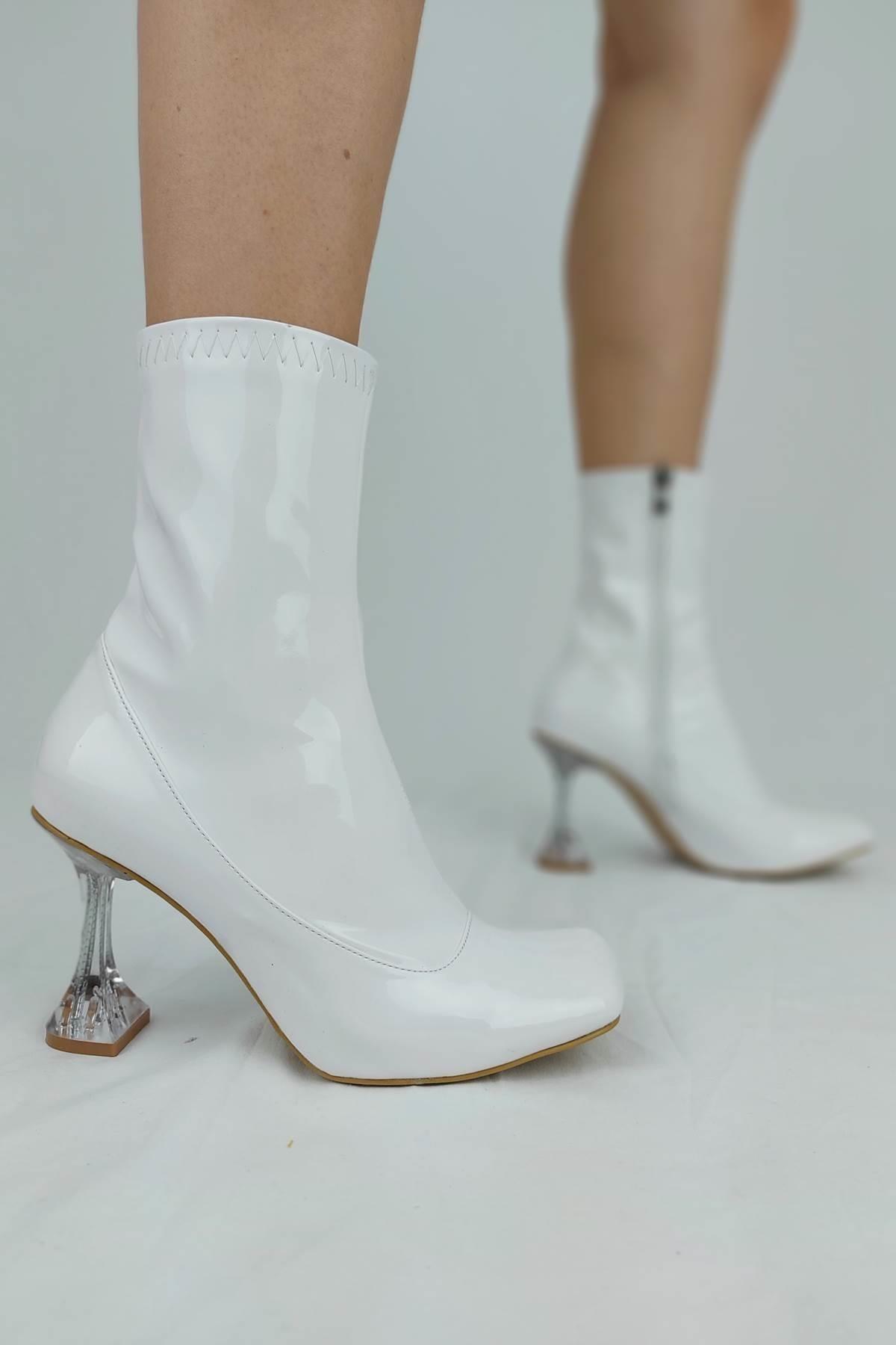 Ayakkabı Ateşi Kadın Beyaz Cilt Topuklu Bot