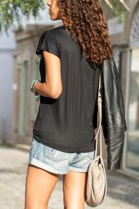 Güneşkızı Kadın Siyah V Yaka Yarasa Kol Basic T-Shirt GK-JR211 1