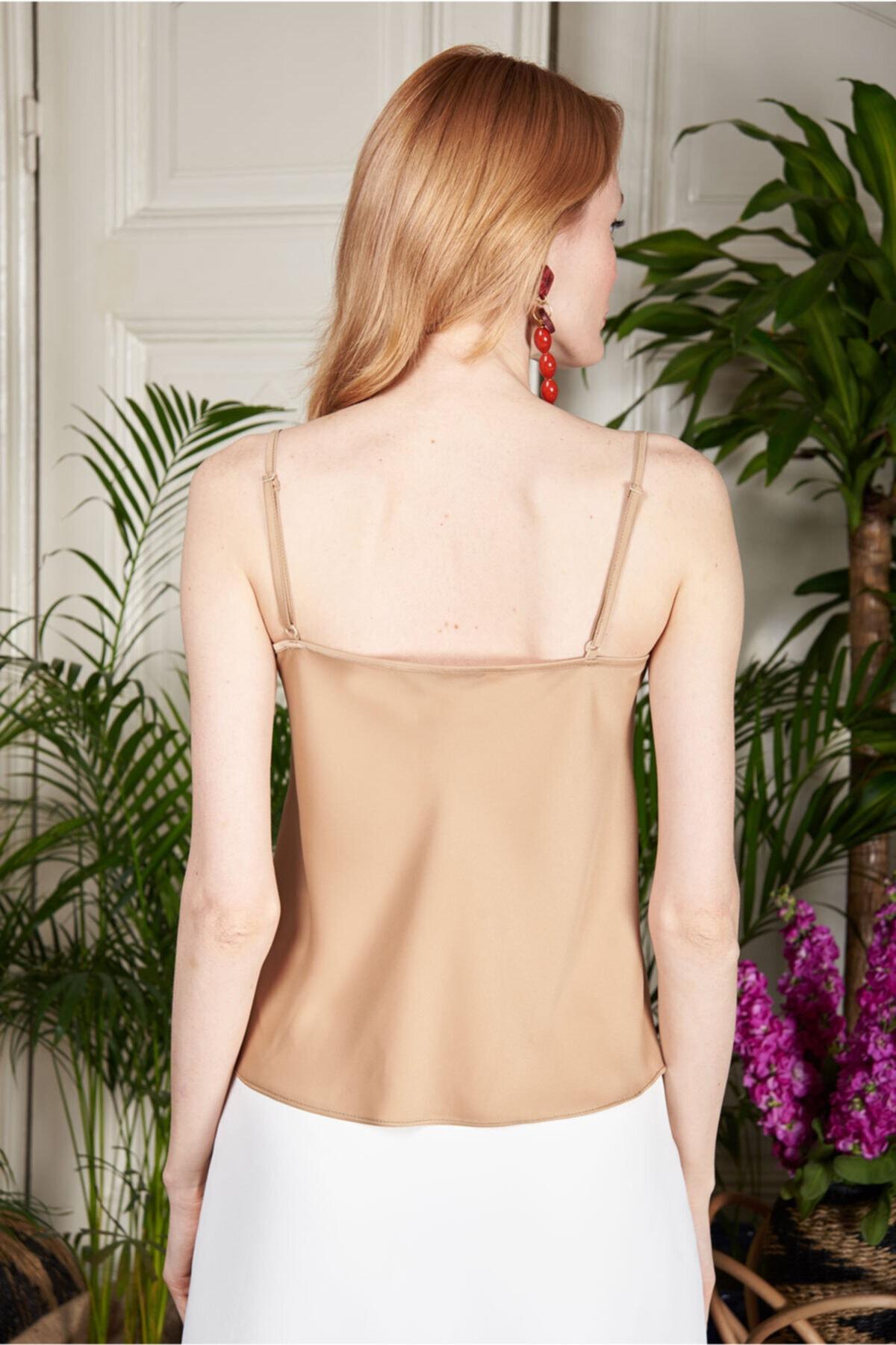 Urban Muse Kadın Gold Degaje Yaka İnce Askılı Bluz