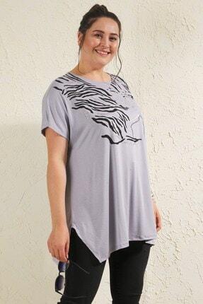 Siyezen Kadın Gri Büyük Beden Salaş Önü Baskı Detaylı T-shirt 4