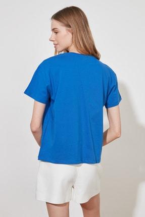 TRENDYOLMİLLA Saks Baskılı Semi-Fitted Örme T-Shirt TWOSS20TS0432 4