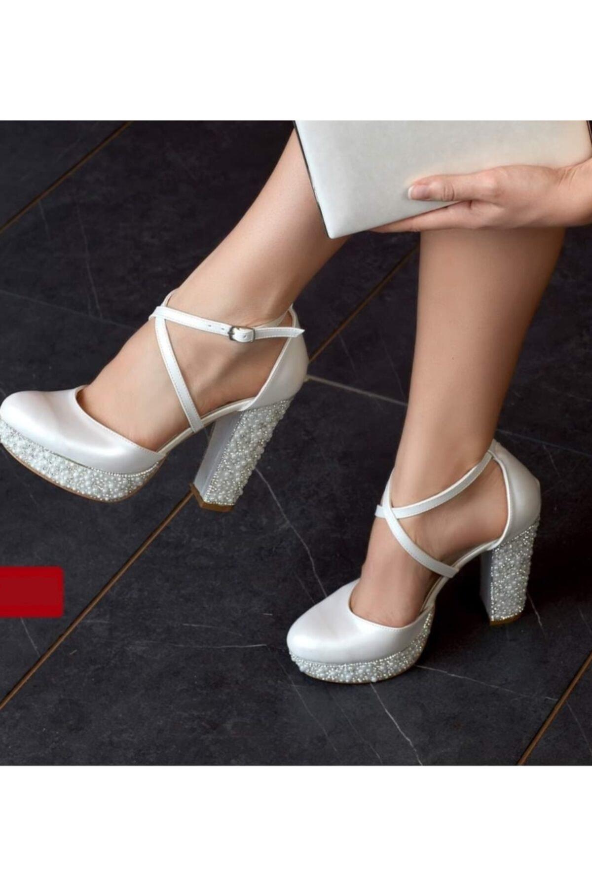 Kadın Beyaz İşlemeli Gelin Ayakkabısı