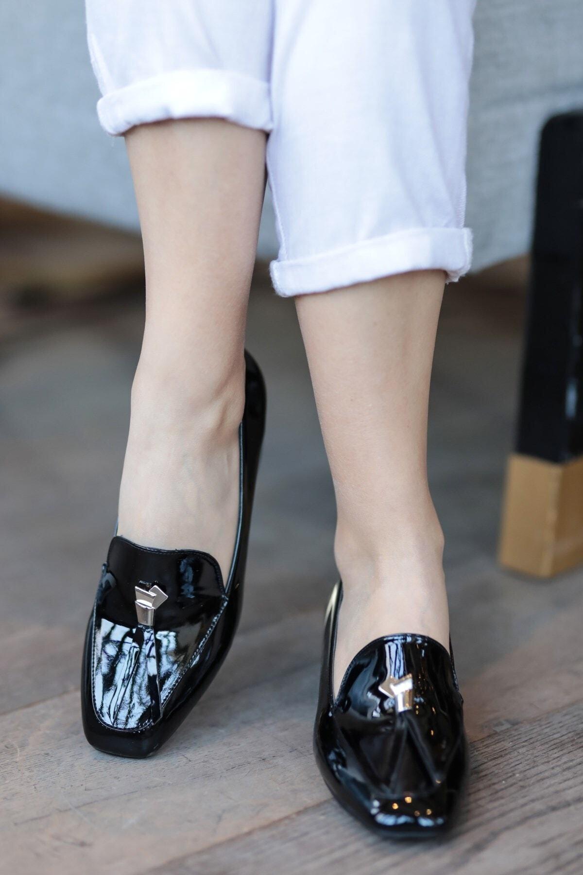 Angela Siyah Rugan Topuklu Ayakkabı