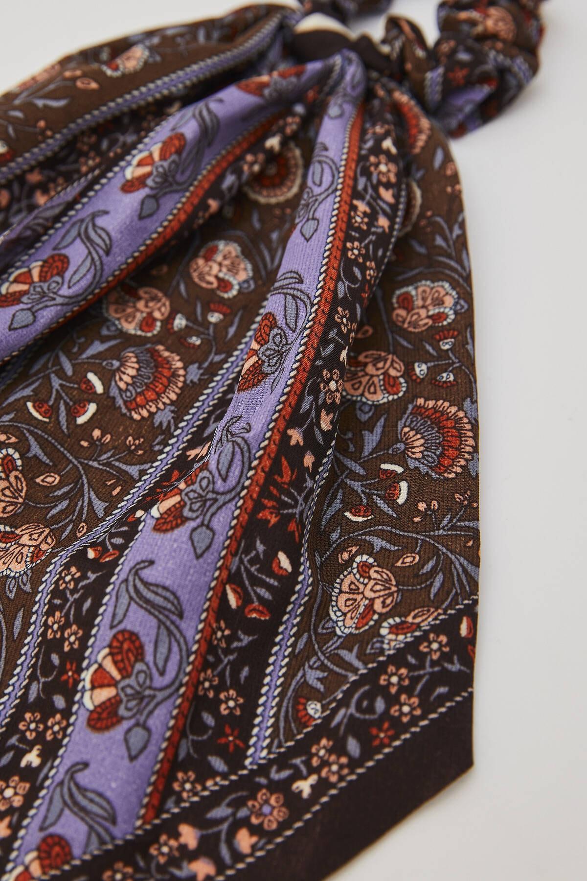 Pull & Bear Kadın Koyu Mor Çiçek Desenli Kurdeleli Saç Lastiği 04970300 1