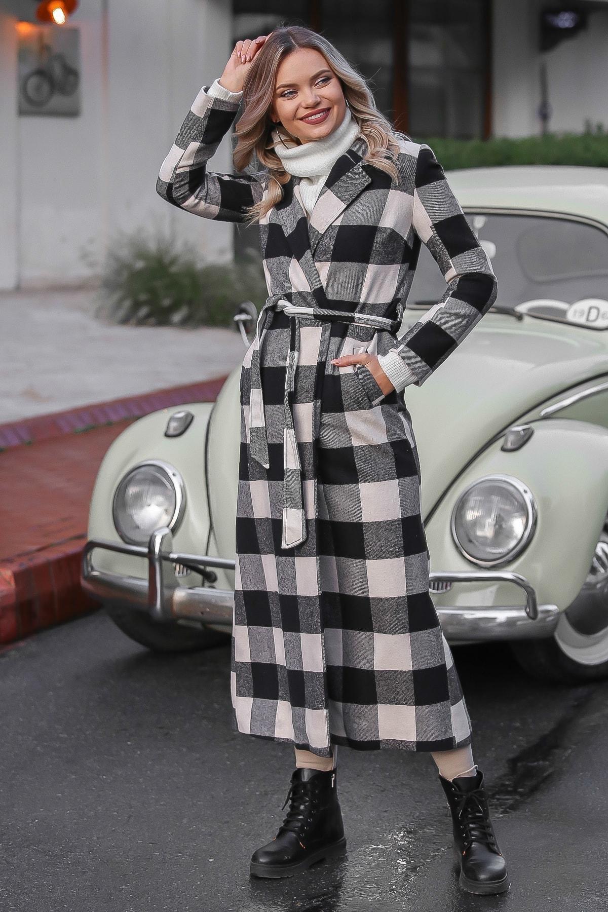 Chiccy Kadın Siyah-Ekru Klasik Ceket Yakalı Ekose Cepli Astarlı Yırtmaçlı Uzun Kaşe Kaban M10210200KA99841 1