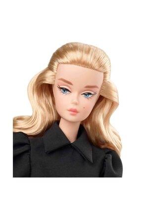 Barbie Koleksiyon Siyahın Asaleti Bebeği Ght43 1