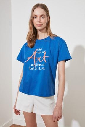 TRENDYOLMİLLA Saks Baskılı Semi-Fitted Örme T-Shirt TWOSS20TS0432 2