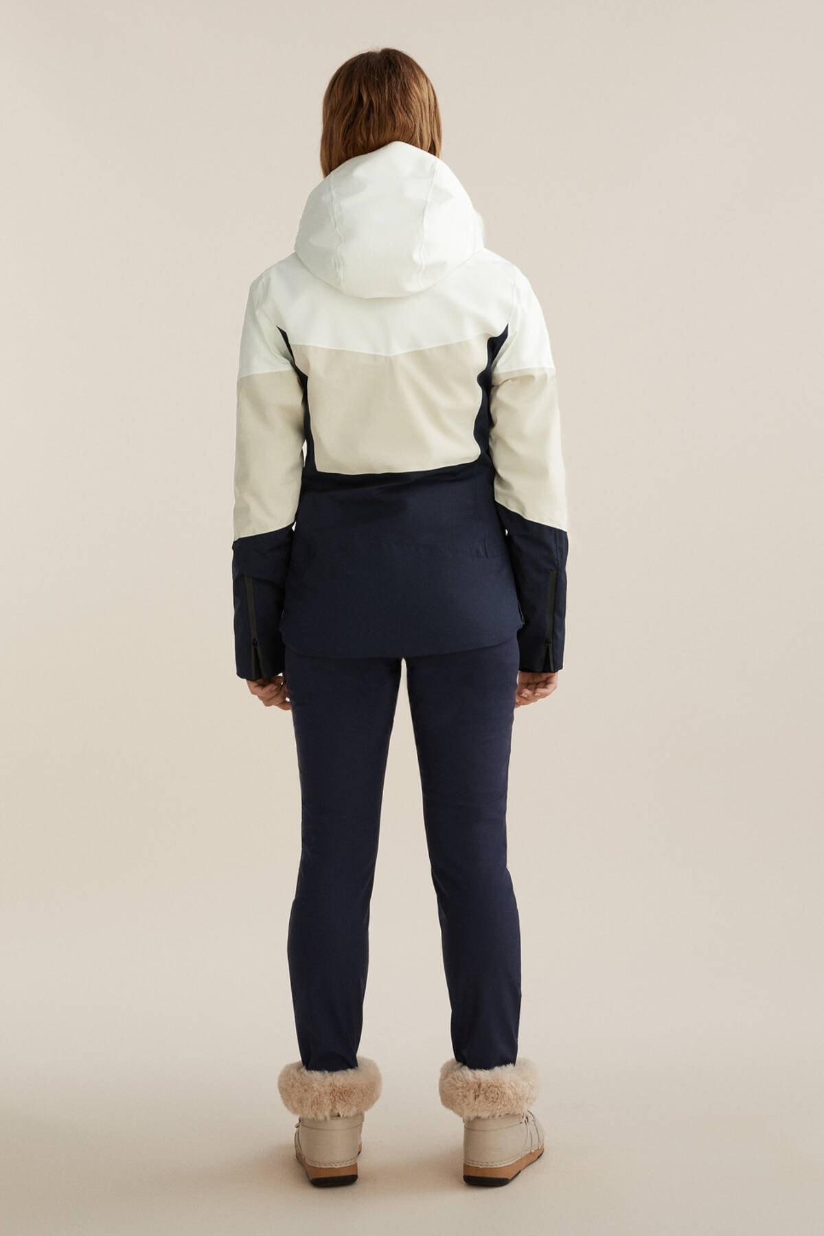 Oysho Kadın Deniz Mavisi Dolgulu Panelli Recco® Kayak Montu 4