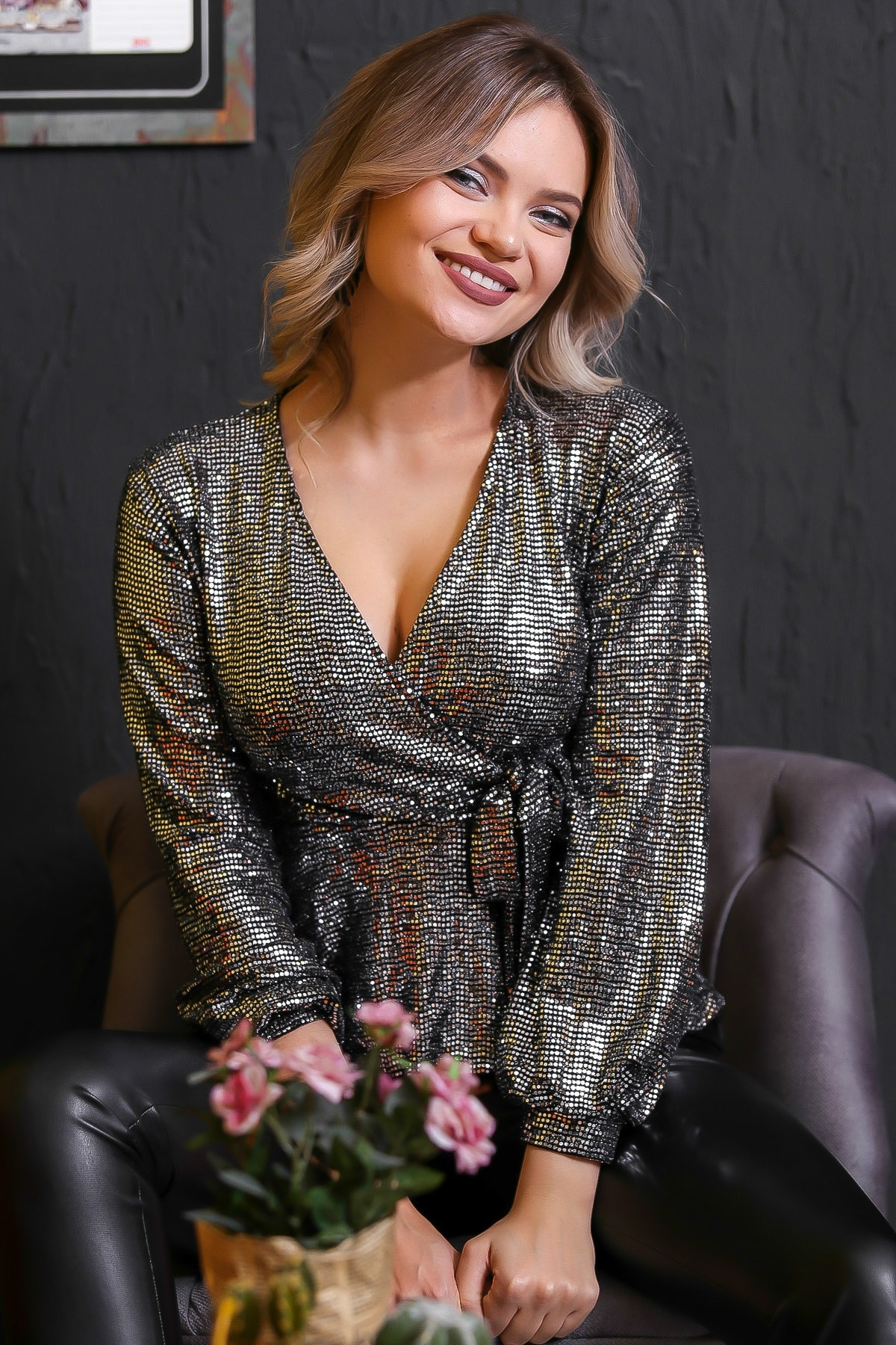 Chiccy Kadın Gümüş Bağlama Detaylı Işıltılı Bluz M10010200BL95672 1