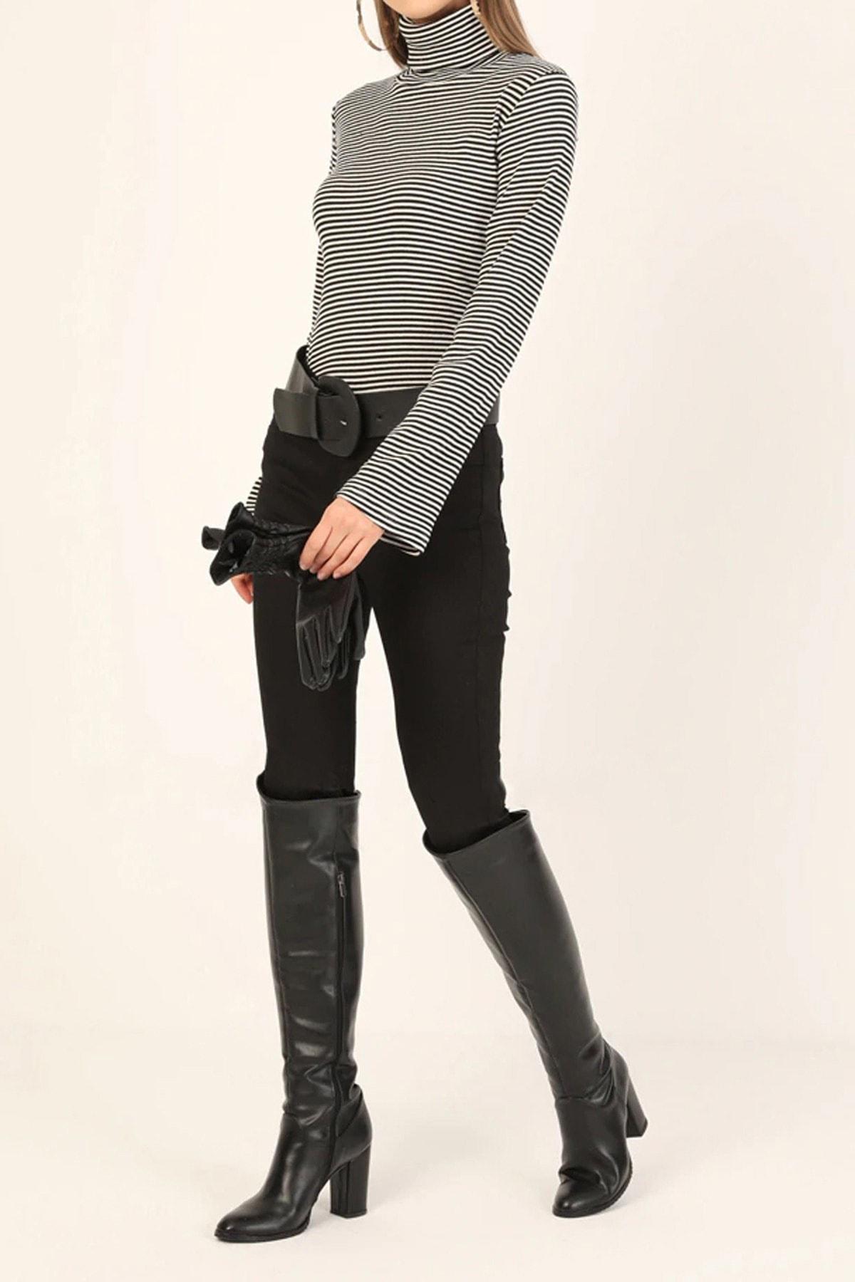 Kadın Siyah Çizgili Boğazlı Pamuklu Bluz