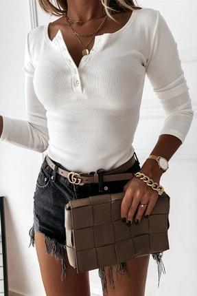 Shezigo Kadın Ekru Düğme Detaylı Kaşkorse Likralı Bluz 1