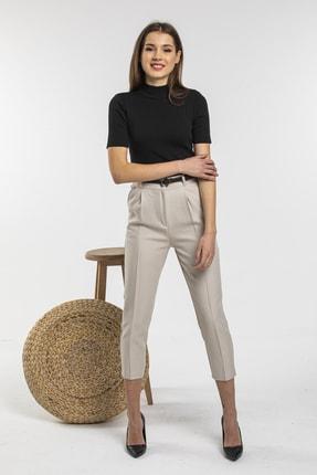 Nisan Triko Kadın Bej Kemerli Havuç Kesim Kumaş Pantolon 3