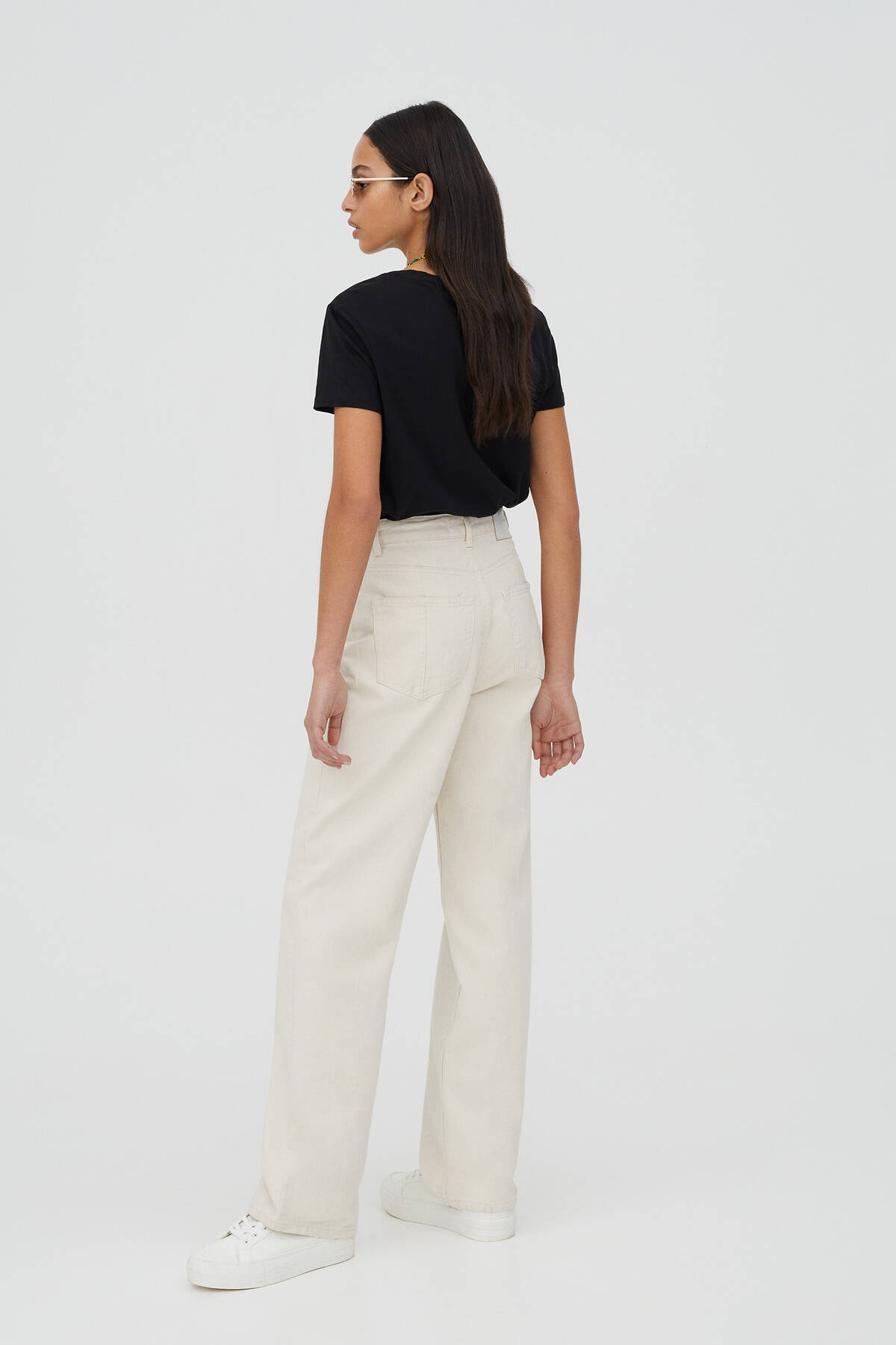 Pull & Bear Kadın Kontrast Sloganlı Siyah T-Shirt - %100 Organik Pamuklu 04240310 2