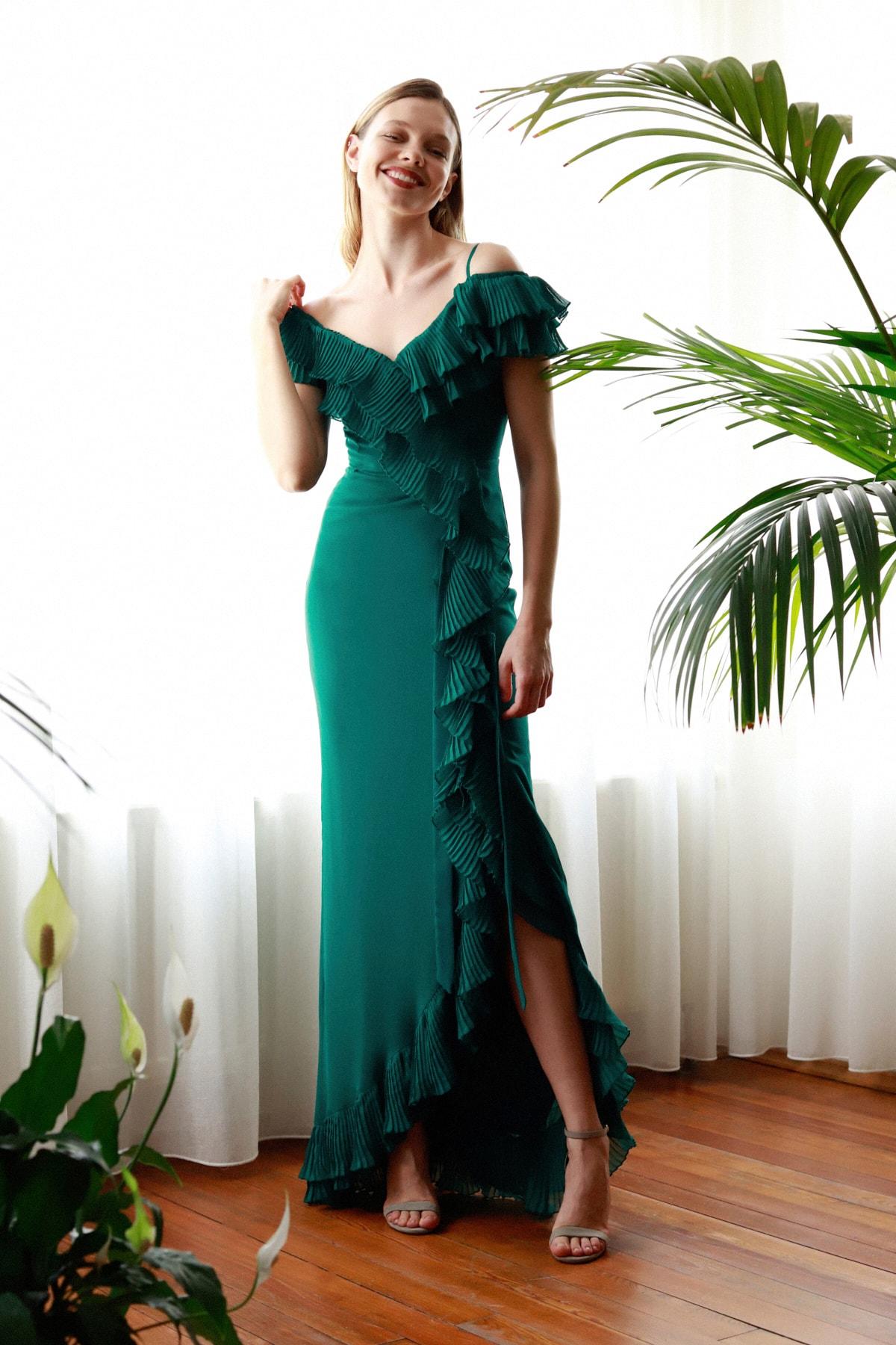 Yeşil Pilise Volan Detaylı Abiye & Mezuniyet Elbisesi TPRSS20AE0264