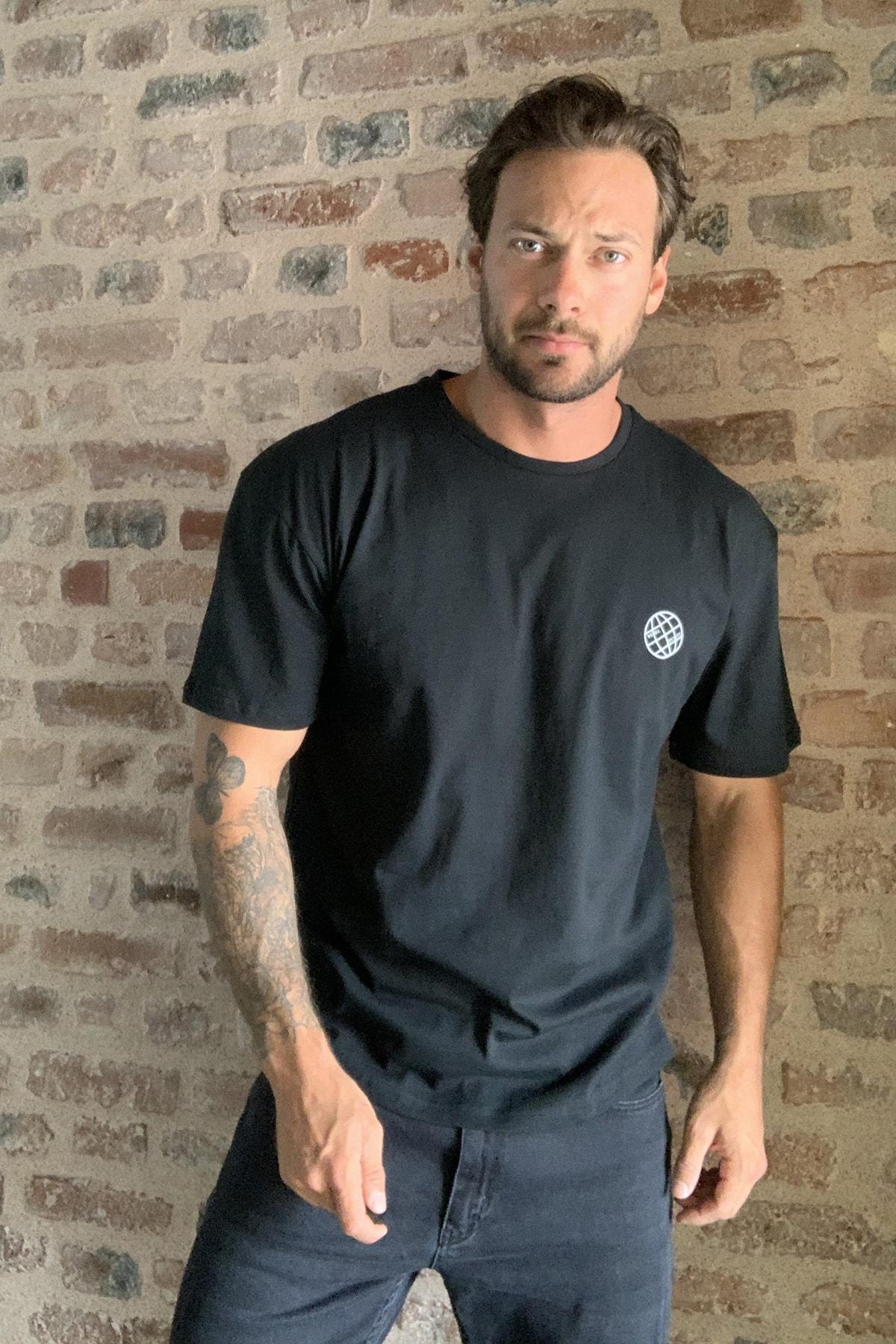 TRENDYOL MAN Siyah Erkek Geniş Kesim Fit Sırt Baskılı T-Shirt TMNSS20TS0277 3