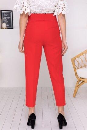 Stock Kemerli Havuç Pantolon Kırmızı Kemerli Havuç Pantolon 2