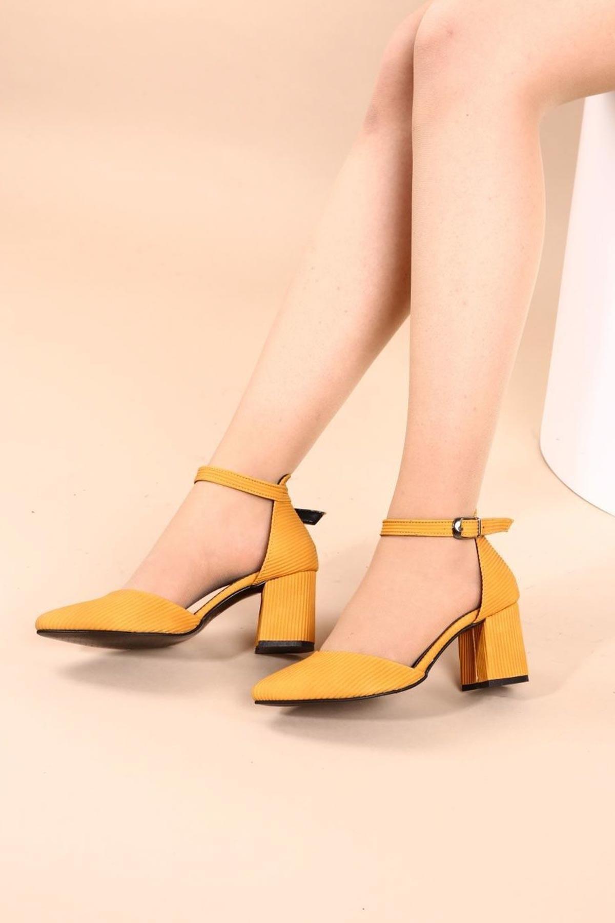 Hepfit Siyah Rugan Kadın Topuklu Ayakkabı