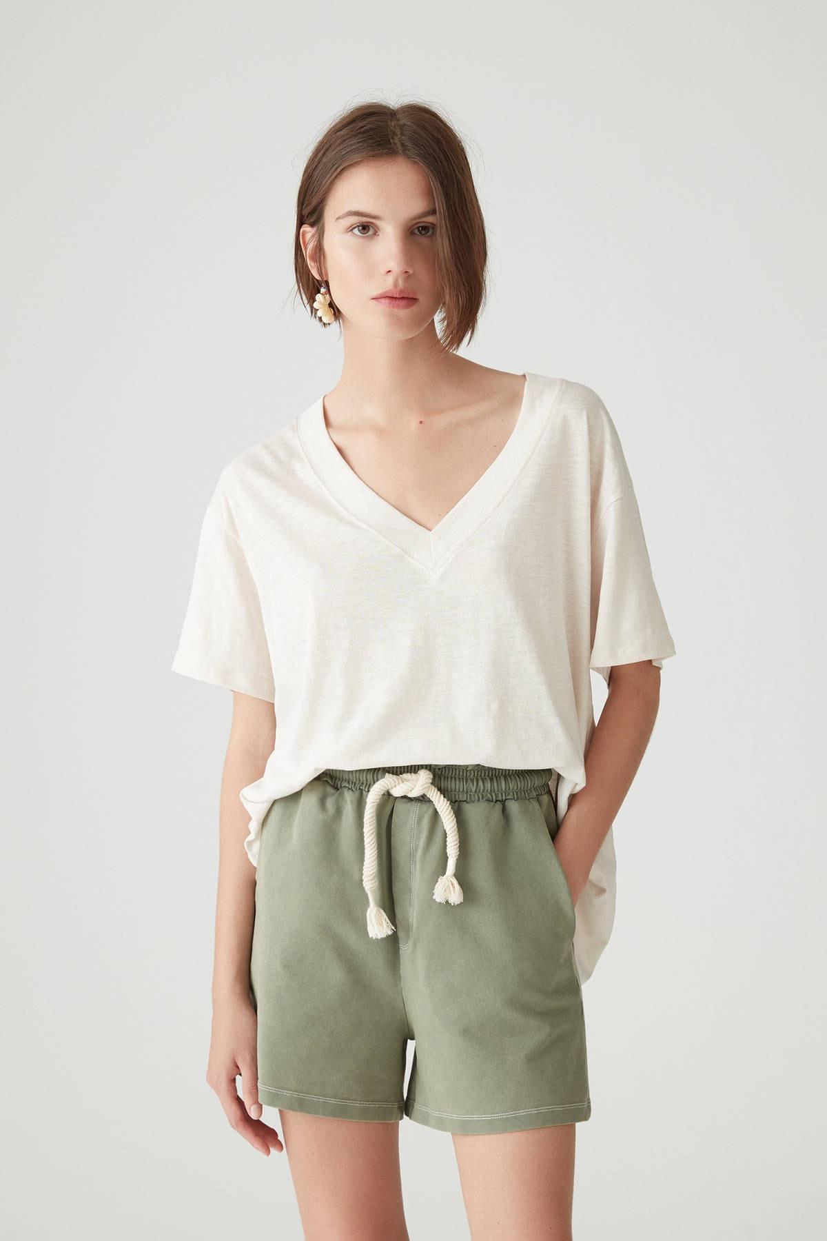 Pull & Bear Kadın Taş Rengi Basic Oversize Düğümlü Örgü T-Shirt 05236324 0