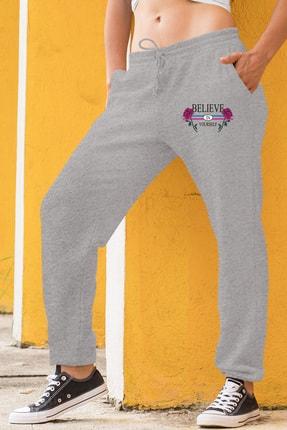 Angemiel Wear Believe In Yourself Kadın Eşofman Takımı Beyaz Kapşonlu Sweatshirt Gri Eşofman Altı 1