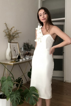 TRENDYOLMİLLA Ekru Aplike Detaylı Elbise TPRSS20EL2718 0