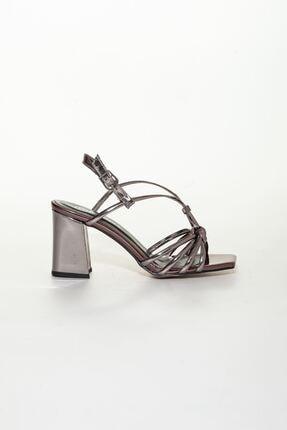 derithy Kadın Platin Klasik Topuklu Ayakkabı 1
