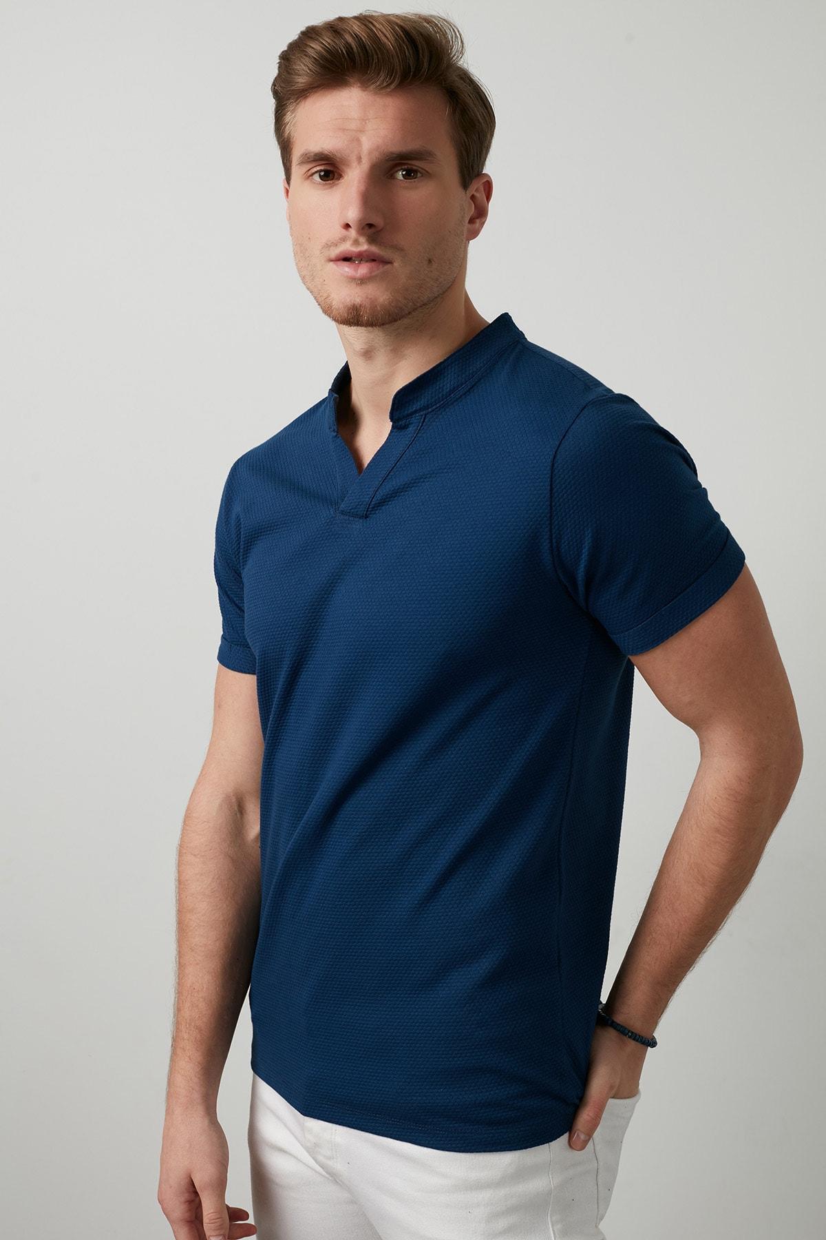 Buratti Erkek LACİVERT V Yaka Rahat Kesim Basic T Shirt CF20S214365 2