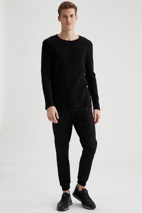 Defacto Erkek Siyah Bisiklet Yaka Slim Fit Uzun Kollu Basic Tişört 1