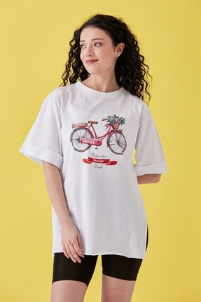 Burchlife Kadın Beyaz Bisiklet Baskılı Duble Kol Yanı Yırtmaçlı T-Shirt 1