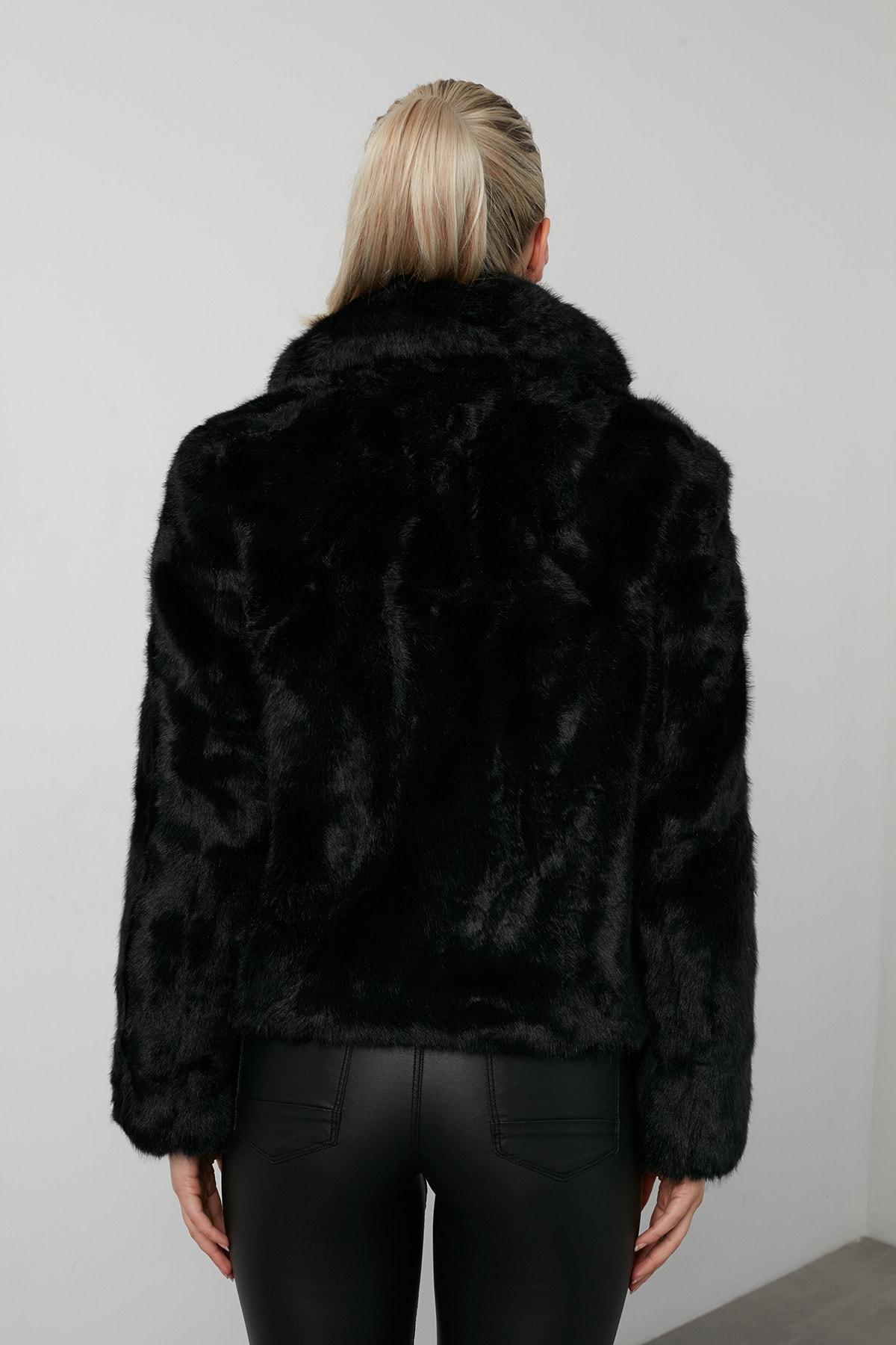Vero Moda Kadın Siyah Regular Fit Kısa Peluş Mont 4