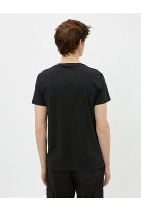 Koton Erkek Siyah Pamuklu Bisiklet Yaka Kısa Kollu Baskılı T-shirt 3