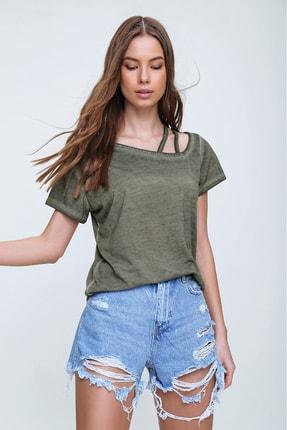 Trend Alaçatı Stili Kadın Haki Askı Detaylı Yıkamalı T-Shirt MDA-1124 1