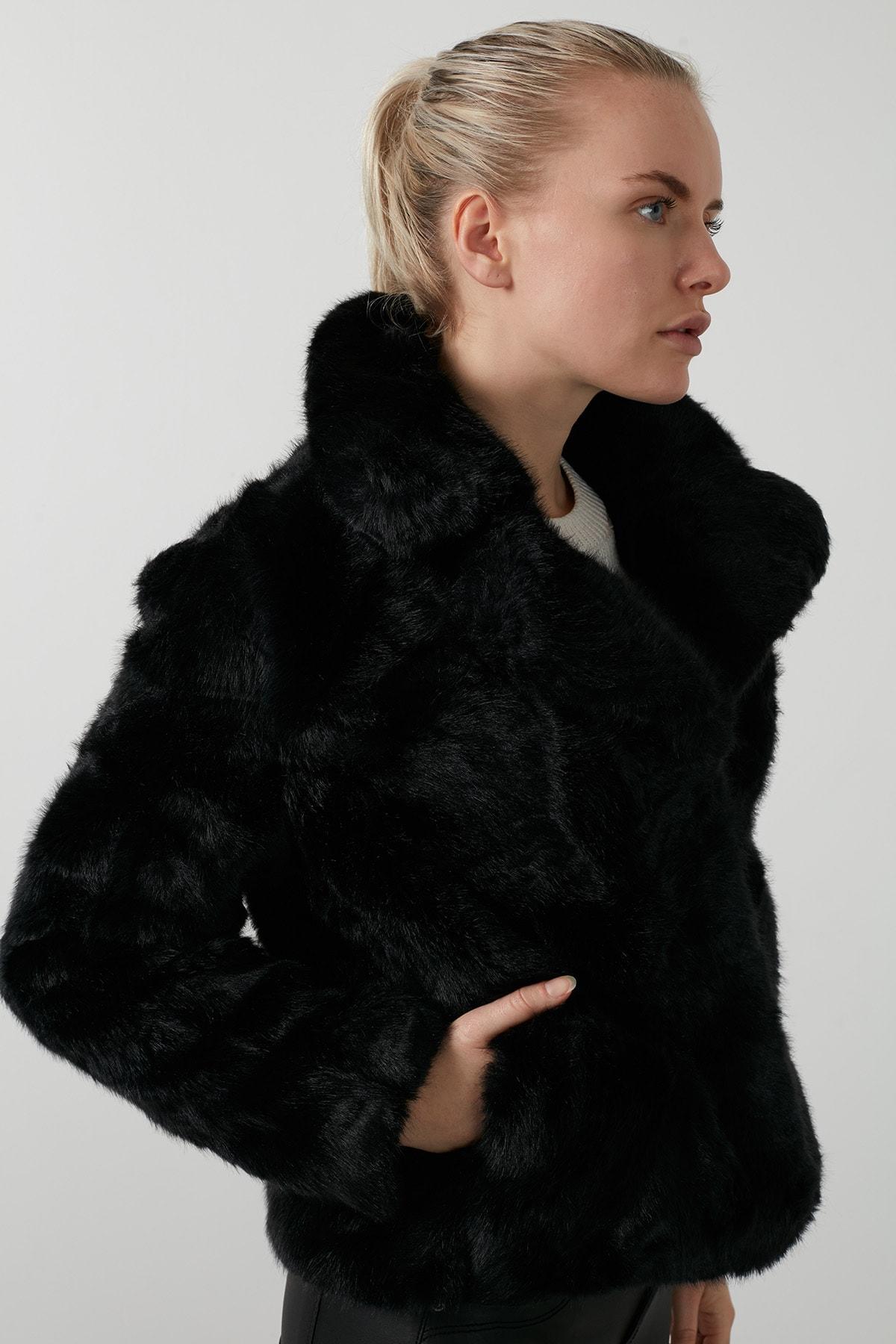 Vero Moda Kadın Siyah Regular Fit Kısa Peluş Mont 2