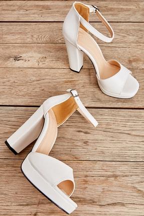 Bambi Beyaz Kadın Açık Ayakkabı L0674001509 0