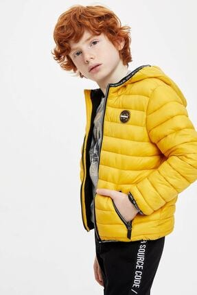 تصویر از کاپشن کوتاه  بچه گانه زرد