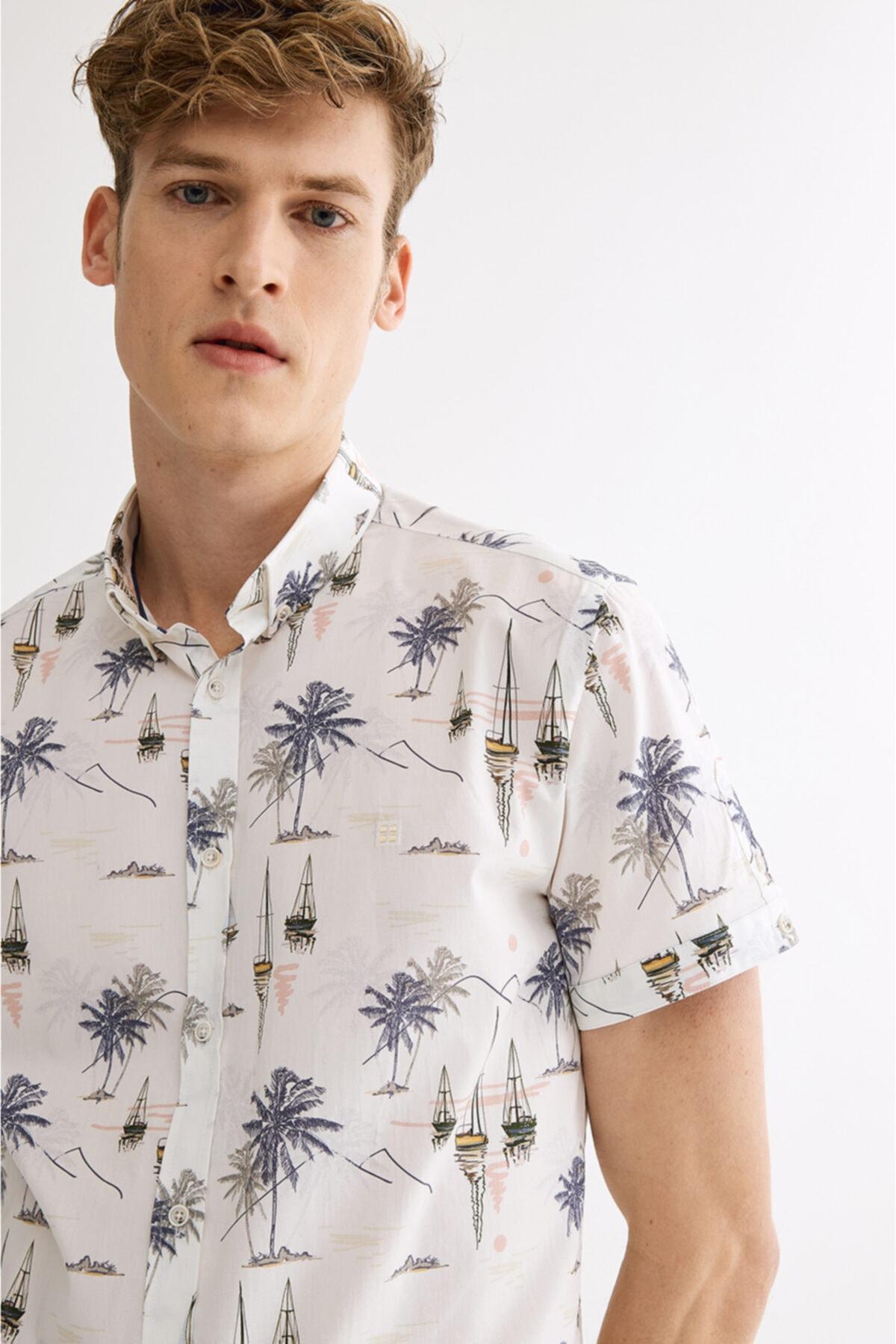 Erkek Ekru Baskılı Düğmeli Yaka Slim Fit Kısa Kol Gömlek A01y2115