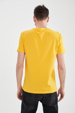 Defacto Erkek Sarı Slim Fit Bisiklet Yaka Baskılı T-Shirt 3