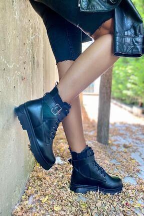 İnan Ayakkabı Bayan Kenarı Lastikli Kenardan Tokalı Bot 4