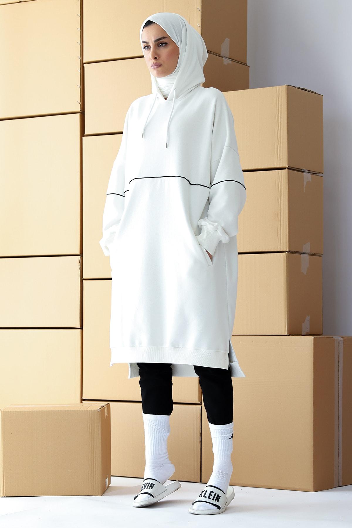 Kadın Beyaz Kapüşonlu Üç Iplik Şardonsuz Biyeli Sweatshirt