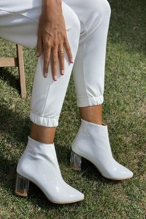 İnan Ayakkabı Bayan Sivri Burun Ortadan Dikiş Ve Şeffaf Topuk Detaylı Bot 3