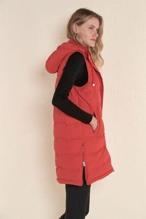Z GİYİM Kadın Kırmızı Kapşonlu Uzun Şişme Yelek 4