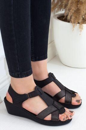 Siyah Nikel Detaylı Çapraz Kesim Dolgu Topuk Hakiki Deri Günlük Kadın Sandalet • A202ytar0014 A202YTAR0014