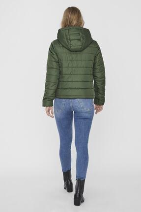 Vero Moda Kadın Yeşil Kapüşonlu Hafif Şişme Mont 2