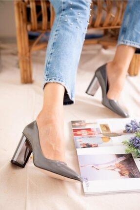 Jilberto Lainey Gri Parlak Rugan Topuk Detaylı Ayakkabı 1