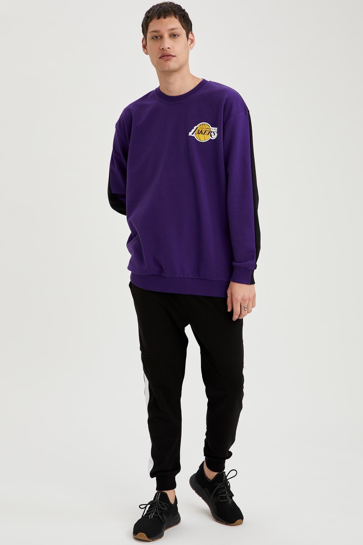 Defacto Erkek Dark Purple Nba Lisanslı Oversize Fit Unisex Bisiklet Yaka Sweatshirt S9213AZ21SP 1