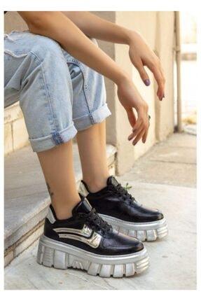 Dolgu Topuk Bayan Spor Ayakkabı 04