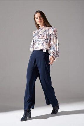Mızalle Büzgü Detaylı Geniş Pantolon (Lacivert) resmi