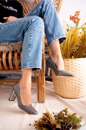 Jilberto Lainey Gri Parlak Rugan Topuk Detaylı Ayakkabı 0