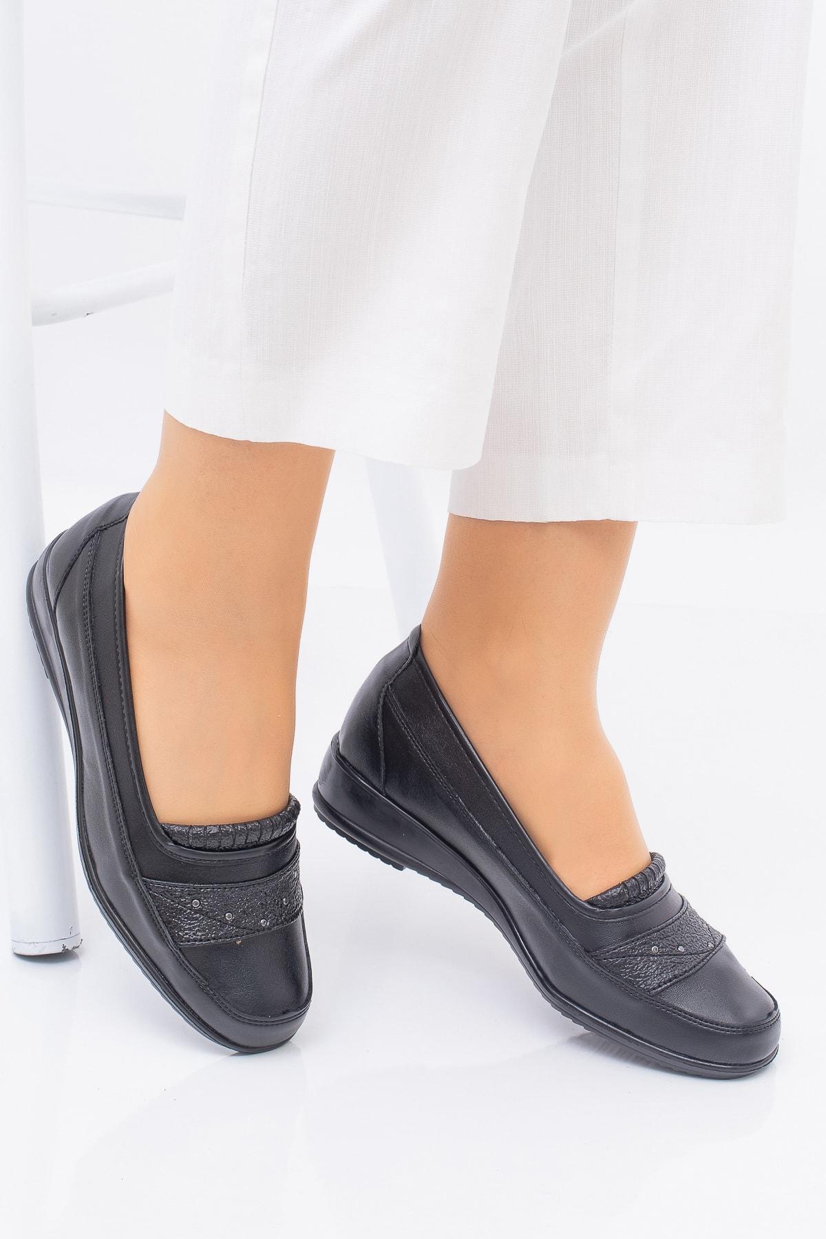 Full Comfort Ortopedik Taban 4 Taşlı Içi Hakiki Deri Siyah Anne Ayakkabısı