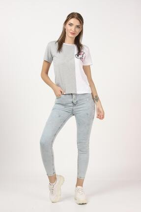 Tena Moda Kadın Gri-beyaz Parçalı Köpek Baskılı Tişört 4